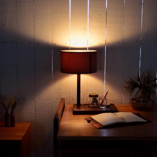 デスクワークにおすすめ!デスクで使える照明を紹介します☆のサムネイル画像