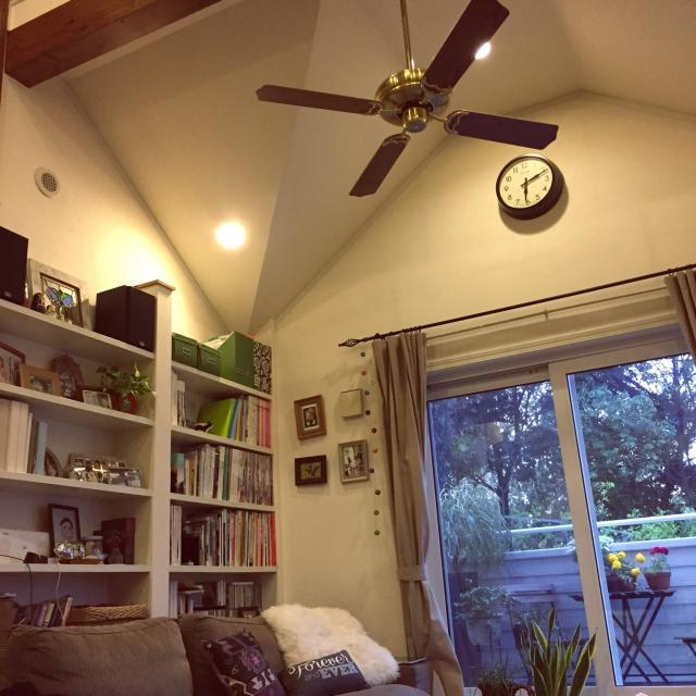 壁いっぱいの本棚でおしゃれに収納!かっこいい実例を紹介しますのサムネイル画像