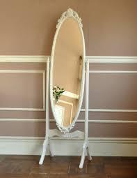 アンティークだといつもと違って見えてくる?お洒落でレトロな全身鏡のサムネイル画像