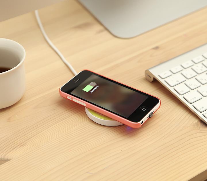 家でも外出先でも活躍するおしゃれなiphoneの充電器&ケーブル♪のサムネイル画像