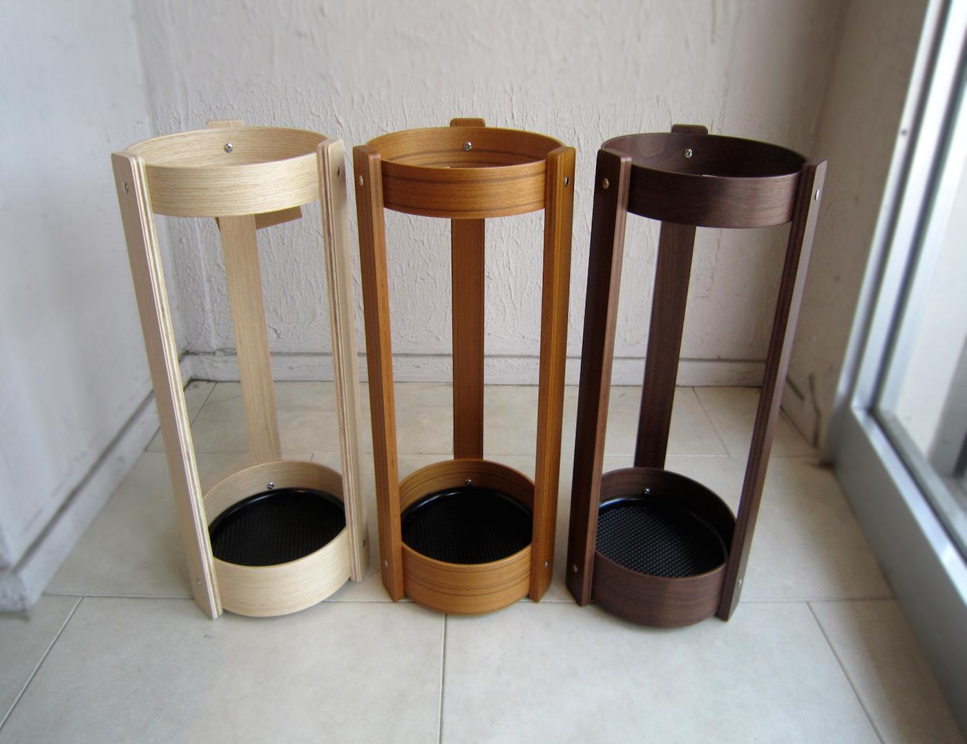 玄関先のインテリアとして取り入れたい☆木製の傘立てを紹介します☆のサムネイル画像