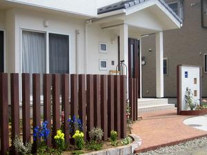 目隠しやガーデニング、どんなフェンスがあるの?庭のフェンス特集のサムネイル画像