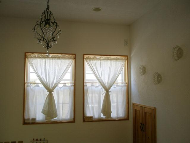 突っ張り棒カーテンでお部屋をお洒落に可愛くコーディネートしよう!のサムネイル画像