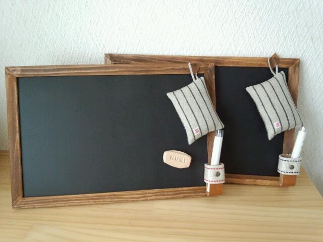 塗って乾かすだけなので簡単!おしゃれなマグネット黒板のDIY紹介のサムネイル画像