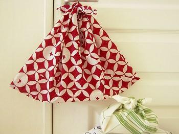 かんたん便利な手作りバック。風呂敷や手拭いで作るあずま袋のサムネイル画像