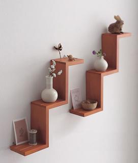 壁に取り付けるだけで部屋をイメージチェンジ!壁掛け飾り棚。のサムネイル画像