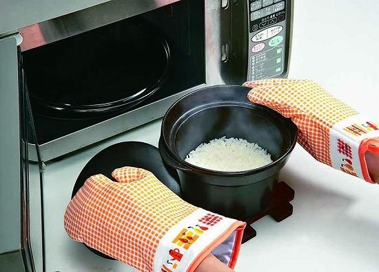 レンジでチン!レンジで使える炊飯器でご飯をおいしい炊けます。のサムネイル画像