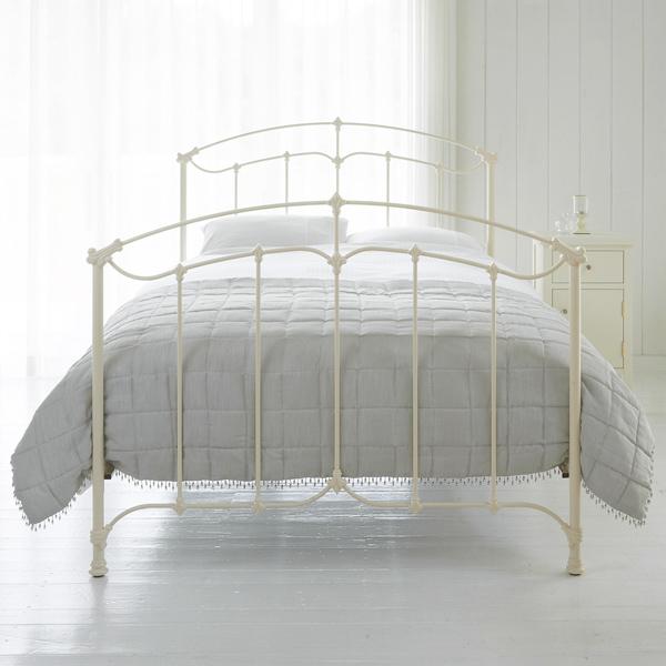 寝る時はベッド派?布団派?それぞれのメリットを知って使用しよう♡のサムネイル画像