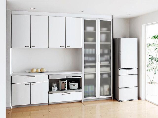 スッキリ綺麗に!キッチンの背面収納との上手な付き合い方はこれのサムネイル画像