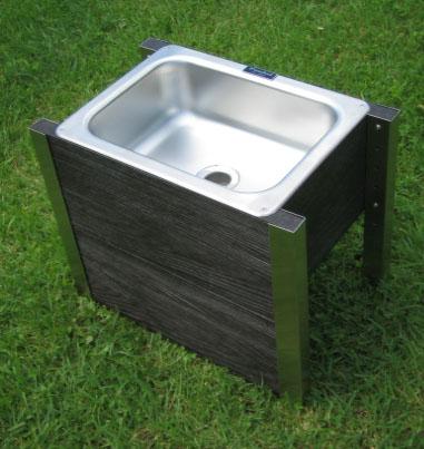 ガーデニングの必須アイテム。癒しと潤いを与える水道特集。のサムネイル画像