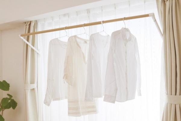 洗濯物は部屋干しがメインな人へ!竿を取り付けようと思いませんかのサムネイル画像