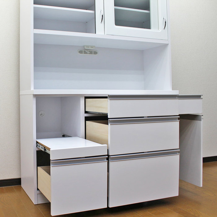 意外と片付かない台所。棚を使ってすっきり収納するコツをご紹介☆のサムネイル画像