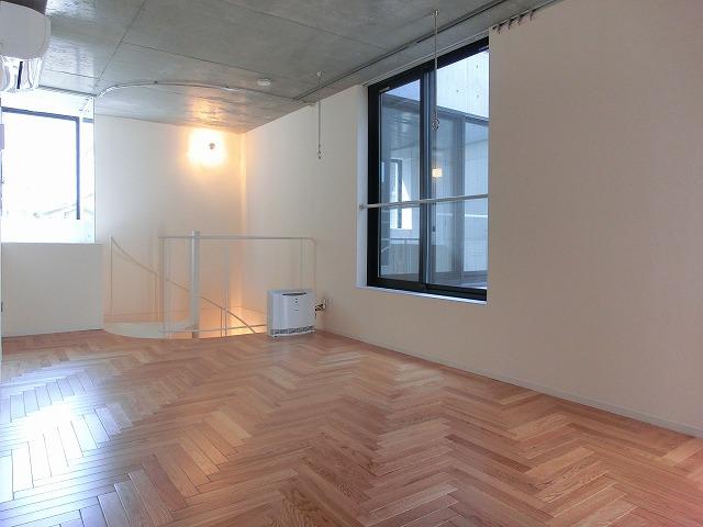 フローリングマットで畳のお部屋をフローリングに大変身させよう!のサムネイル画像