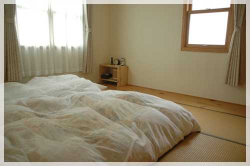 梅雨は特に気になる!布団のカビや湿気対策はしていますか?のサムネイル画像