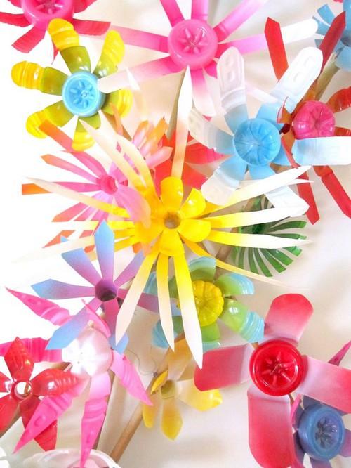 季節の風を楽しむ♡【ペットボトル風車】童心に帰れる簡単工作!のサムネイル画像
