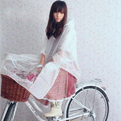 傘さし運転は違反!雨の日に自転車に乗る時のカッパ選びのポイント★のサムネイル画像