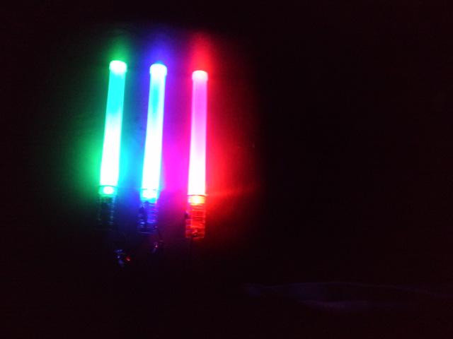 イベントに!コンサートに!夏祭りに!サイリウムを自作してみよう!のサムネイル画像