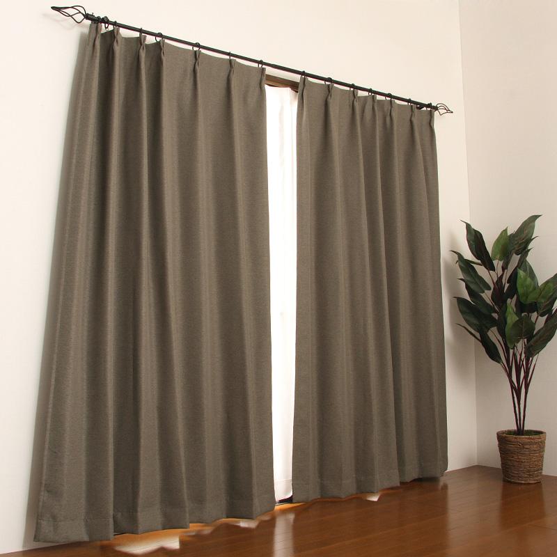 お部屋の印象がキマル!落ち着いたブラウンのカーテンまとめのサムネイル画像