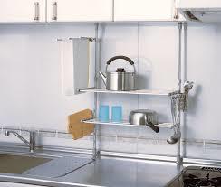 キッチンの省エネスペースを有効活用するなら突っ張り棚がおすすめ!のサムネイル画像