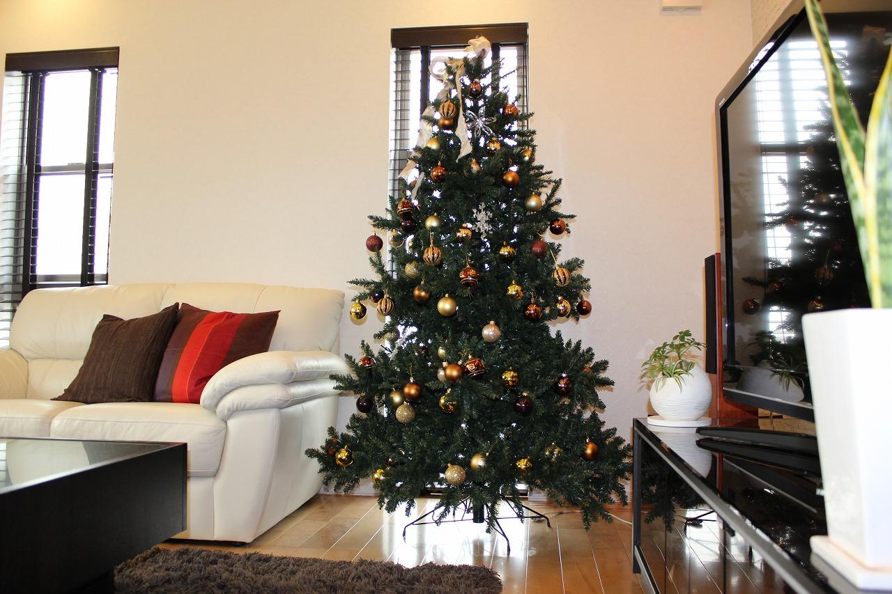 LEDのクリスマスツリーは省エネで綺麗!どんなツリーが人気なの?のサムネイル画像