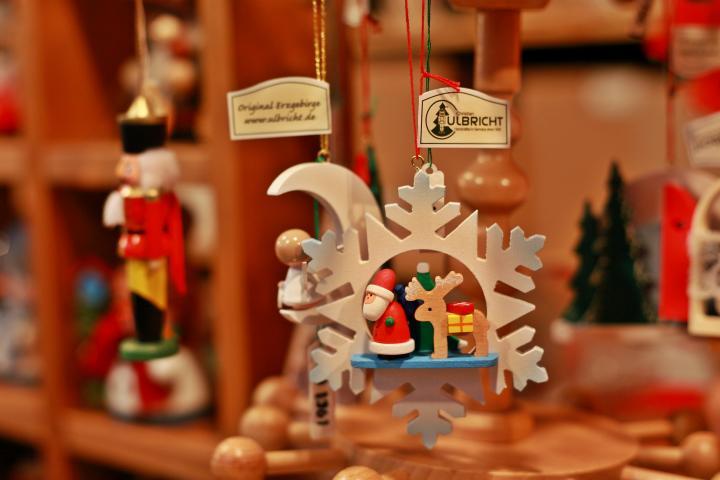 クリスマスツリーに飾ってみたい!ドイツ伝統のかわいいオーナメントのサムネイル画像