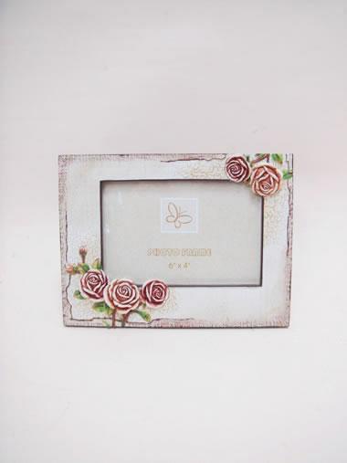 贈り物にもおすすめ!かわいいフォトフレームで写真を飾りましょうのサムネイル画像