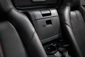 ゴチャゴチャ小物とさよなら!驚きの収納アイディアで車内を快適に!の画像