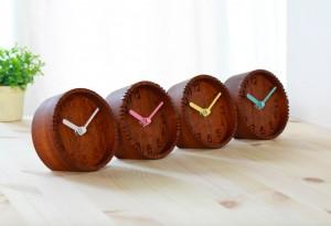 【デザイン】あなたはどんな卓上時計を選びますか?【機能性】のサムネイル画像
