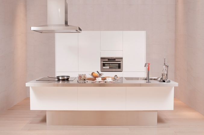シンプルなキッチンは見栄えもよく、すっきりして使いやすい!のサムネイル画像