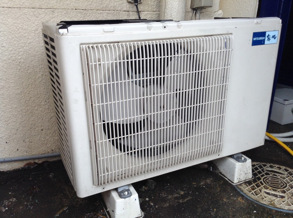 エアコンの室外機の掃除の方法は?きれいにしてエコ&節約をのサムネイル画像