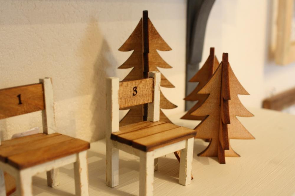 ぬくもり溢れる木製の家具とおしゃれなインテリアコーディネートのサムネイル画像