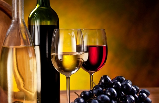 おしゃれにワインを楽しもう!ソムリエナイフの使い方とは?のサムネイル画像
