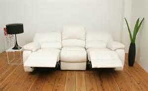 リクライニング機能のついたソファーでゆっくりくつろぎたい人必見のサムネイル画像