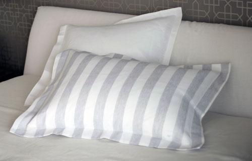 枕カバーのサイズって何種類あるか知ってる?どんなデザインが人気?のサムネイル画像