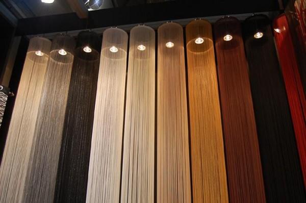 防炎加工の施されたオシャレなストリングカーテンでインテリアを彩るのサムネイル画像
