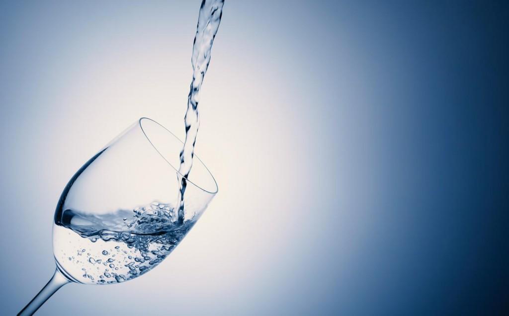 これでキレイに!美容にいい水のおすすめランキングをご紹介します!のサムネイル画像