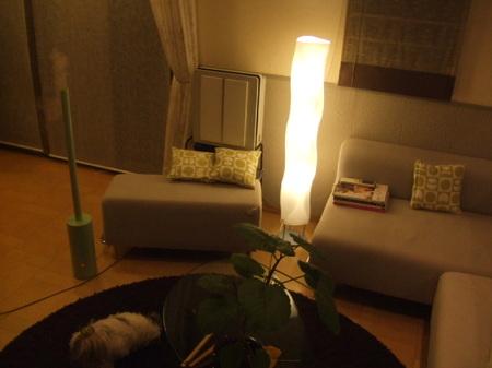 フロアライトを使ってお部屋の中のインテリアをもっとおしゃれに!のサムネイル画像