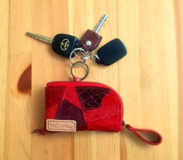 自分だけの可愛いキーケースに入れてスマートに鍵を持ち歩こうのサムネイル画像
