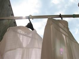 洗ったのに臭い!洗濯物の臭いが気になるときに試してみる方法のサムネイル画像