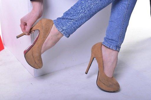 お座敷席も怖くない!気になる「靴の臭い対策」をご紹介します。のサムネイル画像