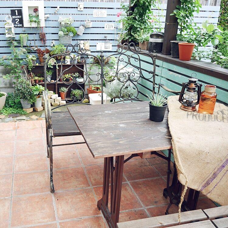 【ガーデニング】テラスで植物を育てて憩いの時間を過ごそうのサムネイル画像