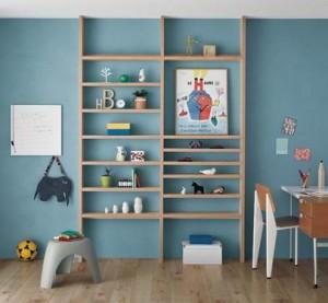 もっと便利にお洒落に!リビングルームの見せる壁面収納アイディアのサムネイル画像