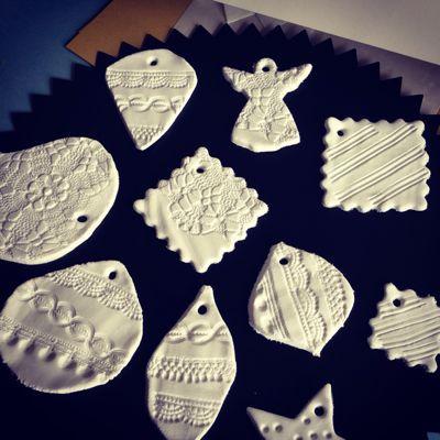 今年は白粘土で可愛いクリスマスオーナメントを手作りしよう!のサムネイル画像