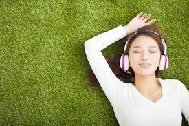 【女性でも出来る芝生の育て方簡単ガイド】芝生を自宅で楽しもう!のサムネイル画像