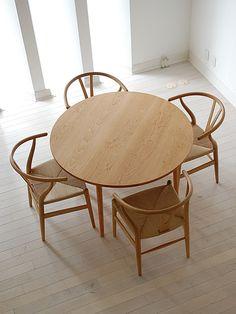 【雰囲気抜群】丸型ダイニングテーブルでぐっとおしゃれ度アップのサムネイル画像