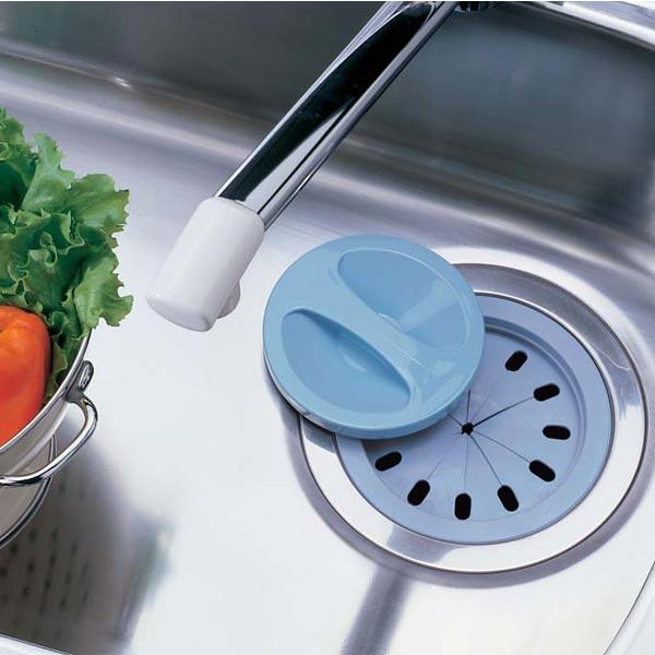 キッチンの排水溝は雑菌がいっぱい!こまめなお手入れで清潔にのサムネイル画像