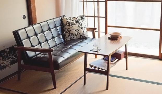 畳に椅子の生活で、和洋MIXなカフェ風インテリアを楽しもう!のサムネイル画像