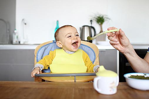 シーン別に調査!悩んでしまう赤ちゃんの椅子選びをお手伝いしますのサムネイル画像
