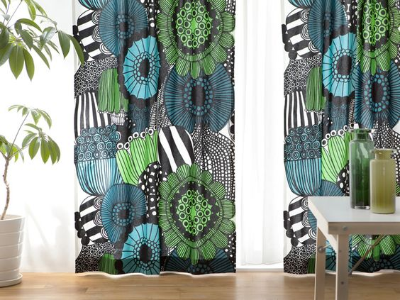 カーテンひとつでラクラク模様替え!手軽にお洒落な北欧インテリアのサムネイル画像