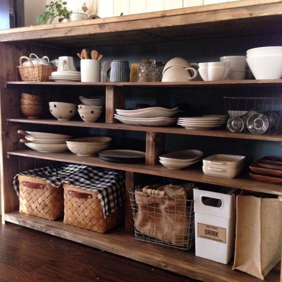 ごちゃごちゃ食器よさらば!簡単・お手軽・おしゃれな収納アイデア集のサムネイル画像